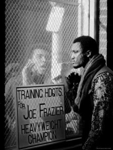826620boxer-muhammad-ali-taunting-rival-joe-frazier-at-frazier-s-training-headquarters-posters