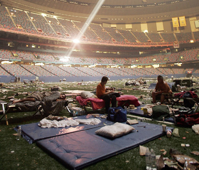 http://thelasthonestman.files.wordpress.com/2010/02/superdome-katrina-2.jpg